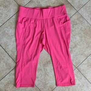 LIVI pink capri workout leggings